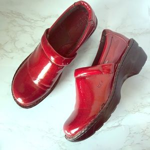 LIKE NEW B.O.C Clogs